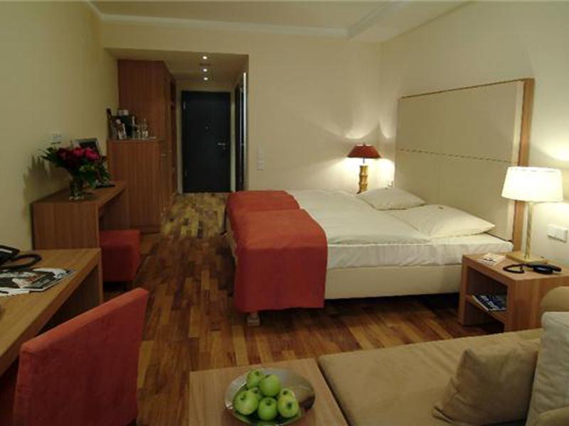 elite expert elite expert. Black Bedroom Furniture Sets. Home Design Ideas